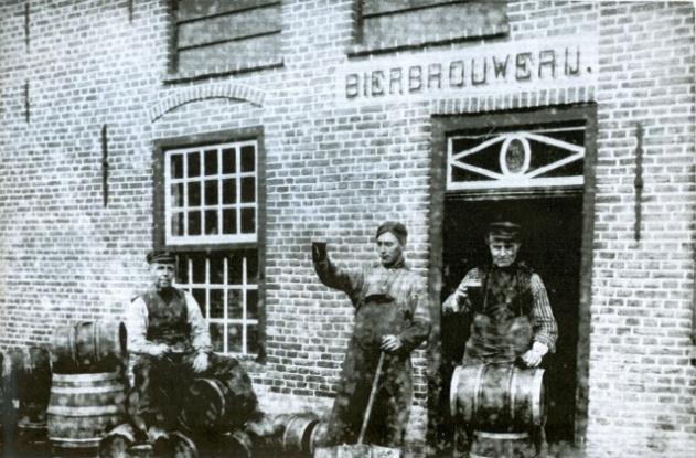 bierbrouwerij Smit Veghel zwart-wit foto